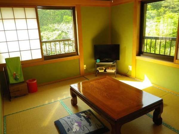 【和室一例】美しい自然の中でくつろごのひととき…心なごむ和室でごゆっくり。