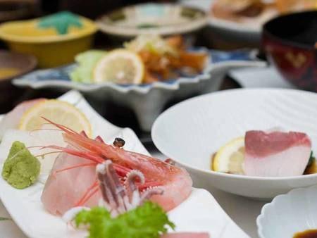 *お夕食一例/お造りは当日の仕入により内容が異なります。