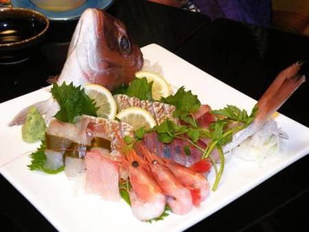 *旬のお魚を使った新鮮なお刺身盛り合わせ!