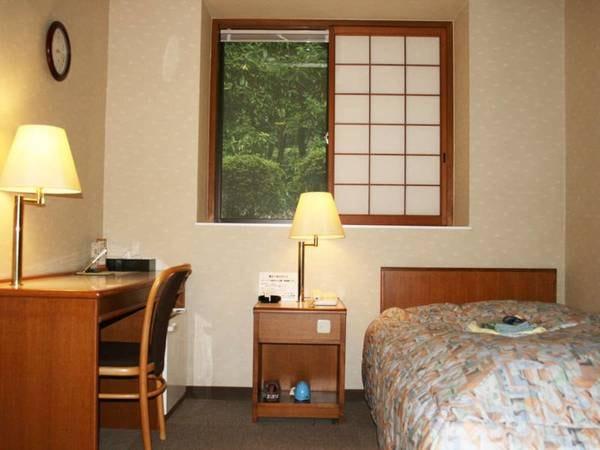 ビジネス・一人旅の方に人気の洋室シングルルーム。リーズナブルで快適にお過ごしいただけます。(一例)
