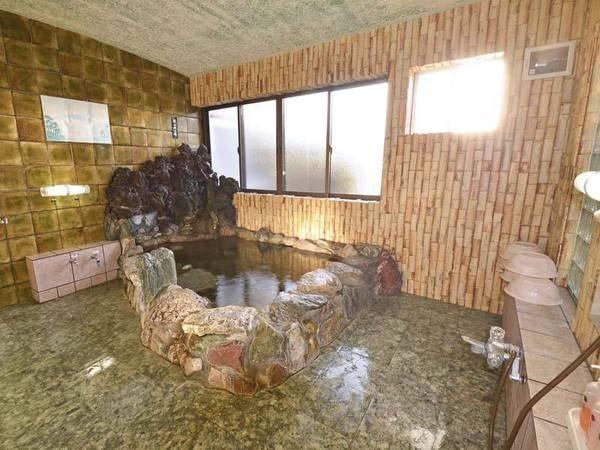 *【大浴場/温泉】当館敷地内からくみ上げたお湯は、珠洲温泉とほぼ同じ成分。