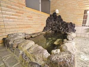 *【中浴場/温泉】20度弱の冷泉を温めた天然温泉で、ゆっくり寛いで。
