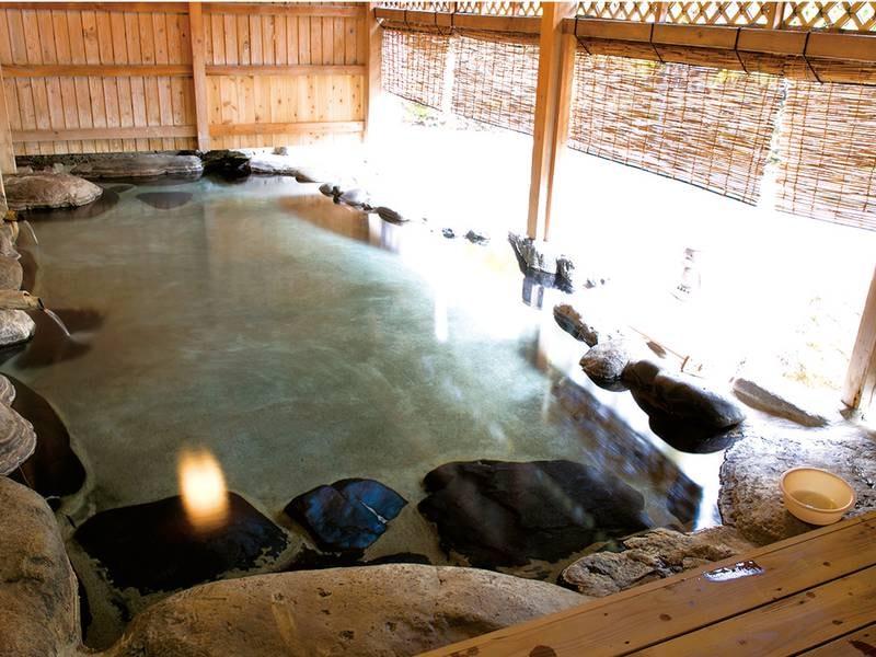 【貸切露天風呂/音龍】木の根沢川に一番近い湯船