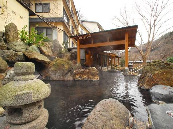 *露天風呂/加温・加水なしの天然温泉、源泉かけ流し!