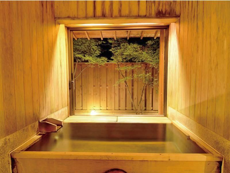 【貸切半露天風呂 二人静/夜】風情溢れる空間でゆったり
