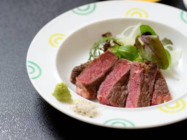 晴観荘特製スタンダード会席一例/メインの熟成肉ステーキ♪