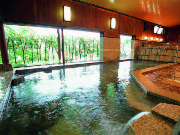【雀のお宿 磯部館】温泉マークの発祥地「磯部温泉」の老舗旅館。格調高い純和風の佇まいでゆったりとしたひとときを