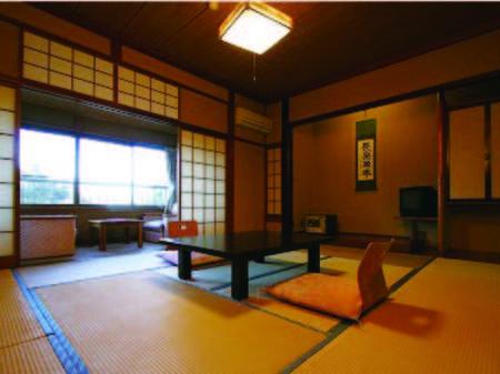 【客室/例】畳敷きが落ち着く和室へご案内