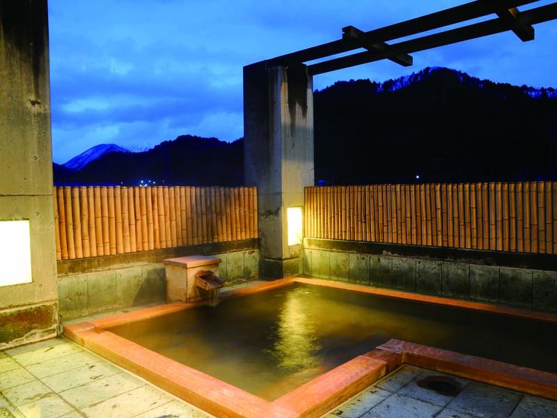 【露天風呂/3階】柔らかな湯を堪能する