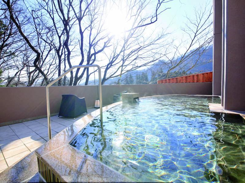 【露天風呂/1階】2015年12月に新設の露天風呂は大浴場に併設