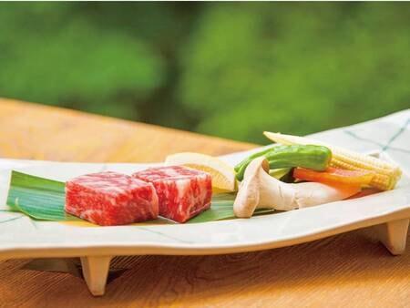 上州牛ステーキ付!いなか豚おまかせ会席/例 柔らかく口の中に入れた瞬間「ふわ~」とトロけ、旨味と甘みのある食感