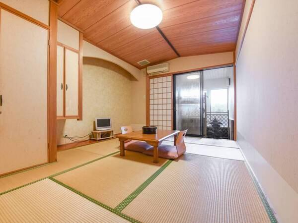 *全室、部屋毎に違う浴槽がついた『半露天風呂付和室』