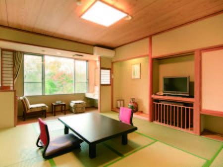 【本館和室/例】四季折々の風景を楽しめる、広縁付きの通常客室