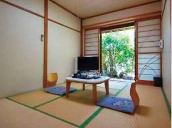 【6畳和室/例】1階の為景色は見られませんが、小さな庭園があります。