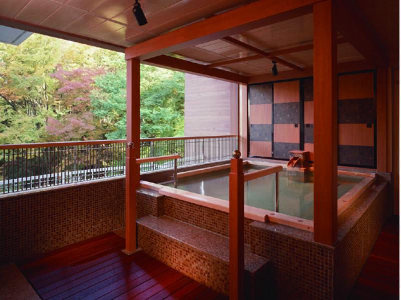 【男性用露天風呂】祭りの山車を模した浴槽(※露天風呂は温泉ではありません※大浴場と繋がっておりません)