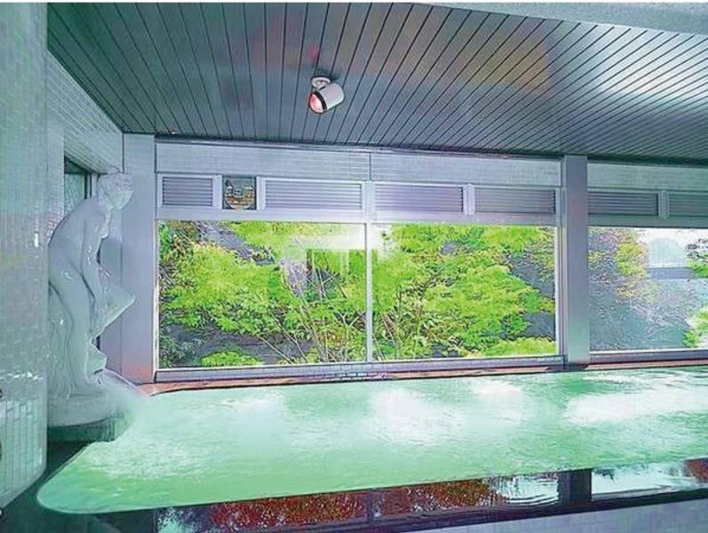 大浴場「女神風呂」 pH値は8.8のアルカリ性!