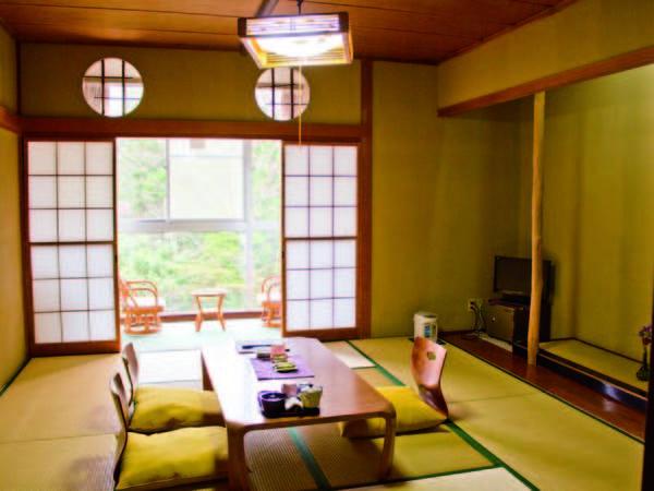 【和室/例】全客室より横瀬川を望む!広縁付きの10畳以上和室