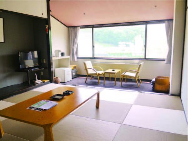 【和室/例】8畳または10畳の広縁付和室へご案内