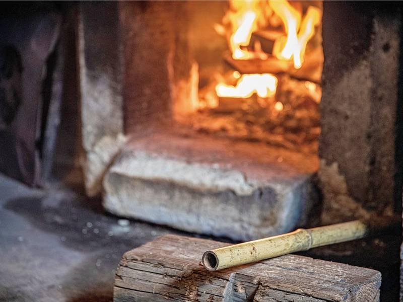 大釜風呂(五右衛門風呂)薪で沸かしています