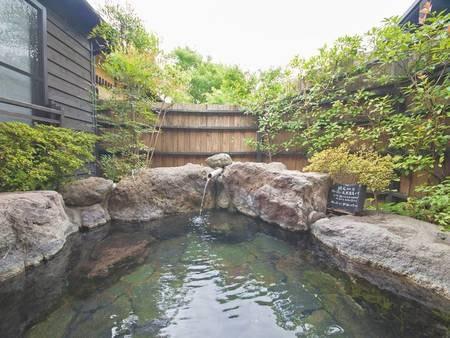 【母屋軒続き離れ 柊の間】客室露天風呂/一例