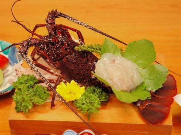 国産伊勢海老の刺身(夕食一例)