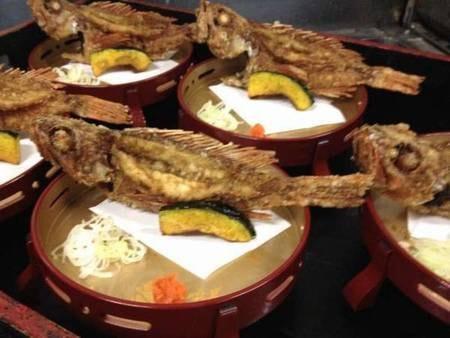 名物カサゴの唐揚げ(夕食一例)
