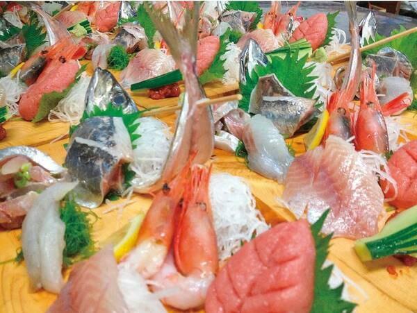 【夕食/例】通常プランよりお刺身がグレードアップ!
