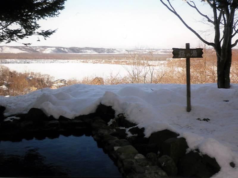 山側と湖側の露天風呂は夜20時に男女の入替がございます。