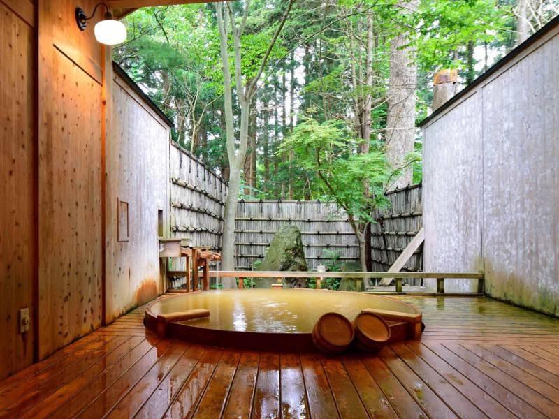 *【露天風呂】大樹の湯/ご夫婦やカップルにも好評なプライベート空間。ゆったりとお過ごしいただけます。