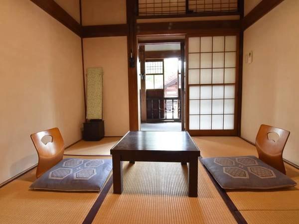 *【6畳/客室一例】一人旅に適した、居心地の良いお部屋です。