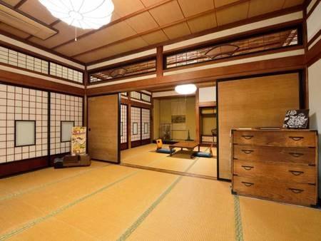 *【10畳+10畳/客室一例】調度品や彫刻欄間など、歴史ある芸術を肌で感じる上質な空間