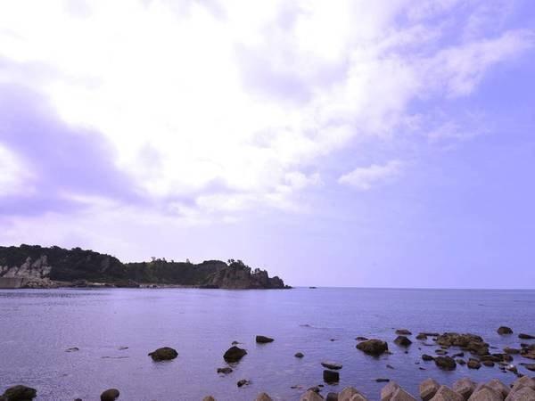 *海を眺め、ゆったりとした時間をお過ごしください。