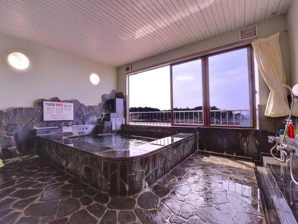 *展望浴場 当館自慢のバクハン石を使用した浴泉。24時間入浴OK!