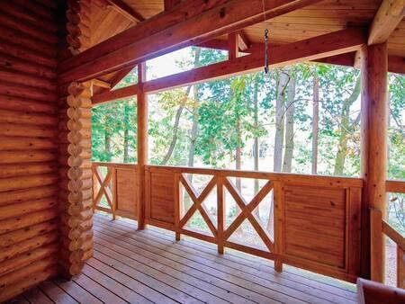 客室専用風呂付きログハウスからの眺め(一例)