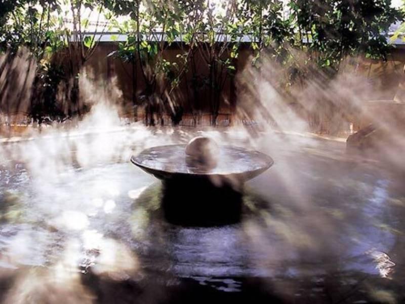 大浴場「悠幻の湯殿」露天薬湯