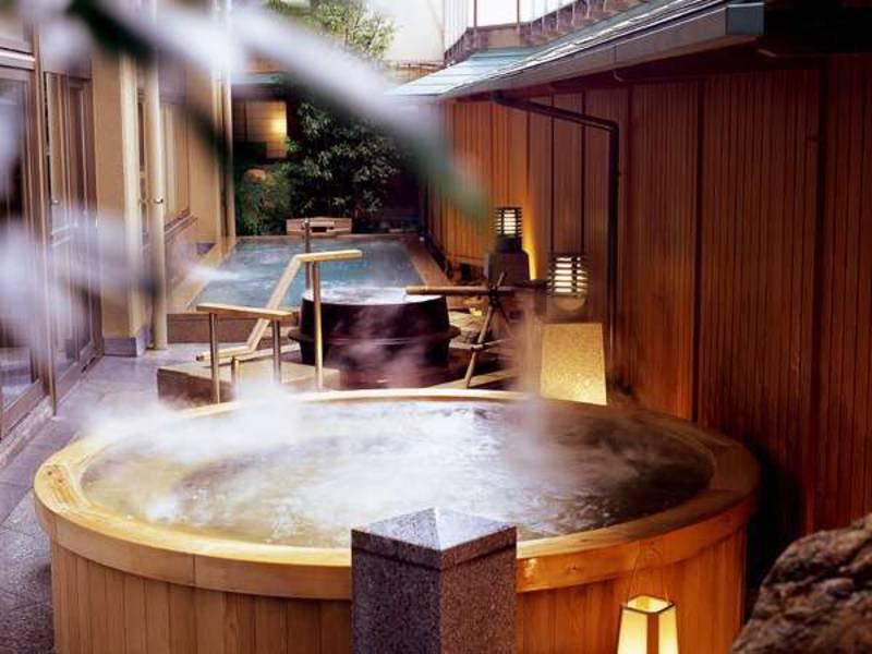 大浴場「九谷の湯処」露天桶風呂