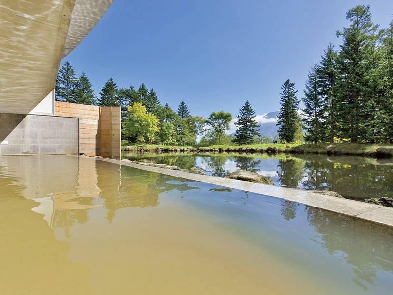 【露天風呂】羊蹄山を望む露天風呂!宿泊者は無料で入浴可能です