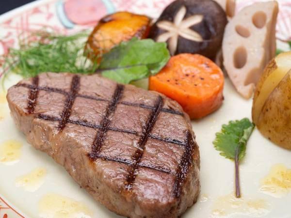 *【贅の極み】幻のご当地牛を贅沢にいただく『熊野牛ステーキ』(一例)
