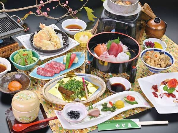 【季節の会席プランの夕食/例】お造り3種盛、前菜盛合せ、焼物、一人鍋等、料理長が腕を振るう季節替わりの会席