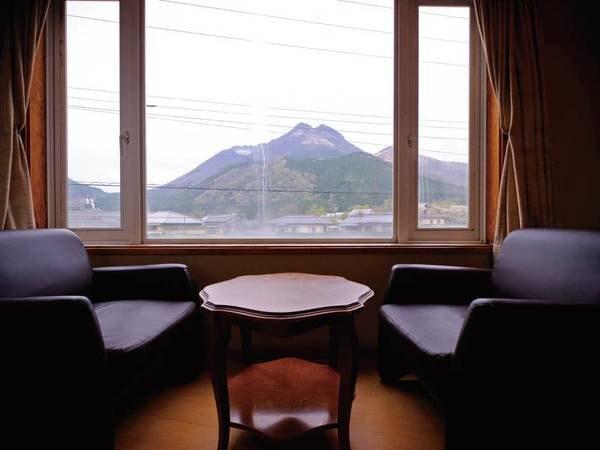 ◆由布岳が見える和室12畳(トイレ付)眺望/一例