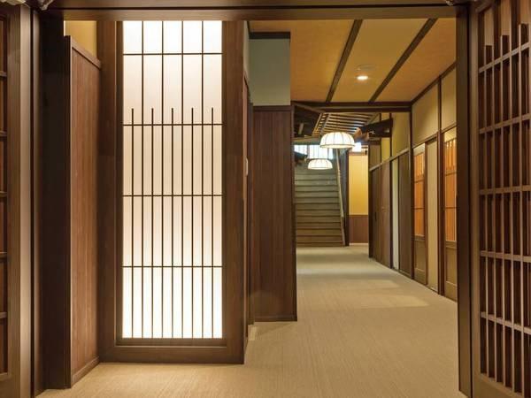 【館内】和の趣があふれる乗鞍荘 1階廊下