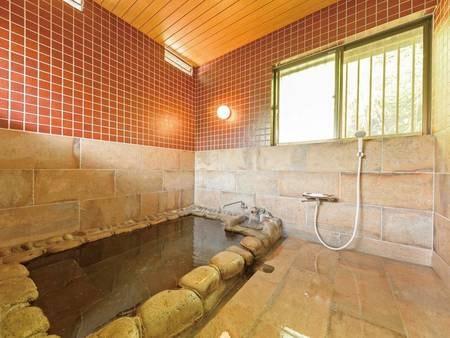 「紅」客室風呂/一例