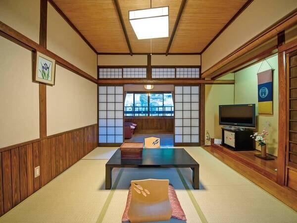 【母屋】和室(6畳+4畳半の板の間付き)/一例