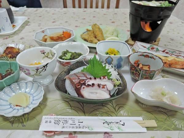 *夕食一例/田舎風の家庭的なお料理の品々をお召し上がりください。