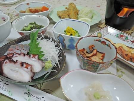 *夕食一例/三陸の食材を始め、素材本来の良さを活かした献立です。