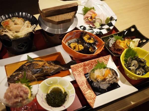 *夕食一例/気仙沼の海の幸がこれだけ集まって、リーズナブル♪※料理内容は水揚げ状況により異なります。