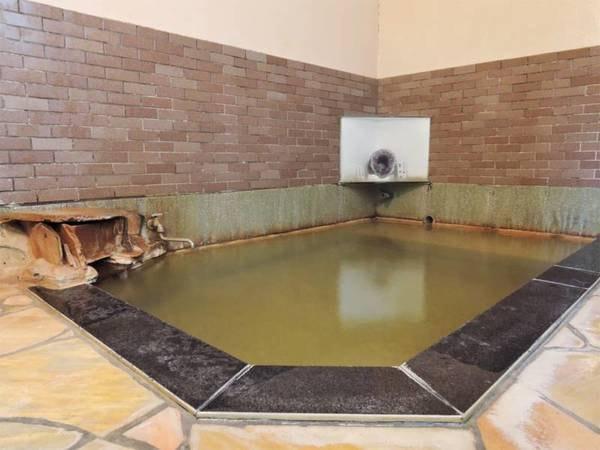 【旅館 勇蔵】24時間入れる源泉かけ流し!肘折温泉の中心地にある小さな湯治宿