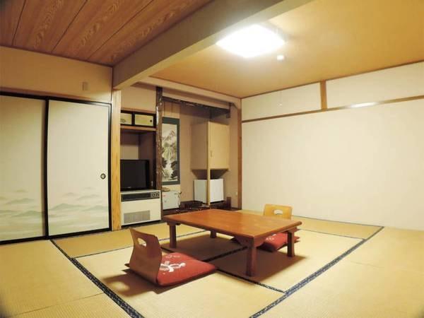 *和室10畳一例/カップル、ファミリー、グループにお勧めの広いお部屋。