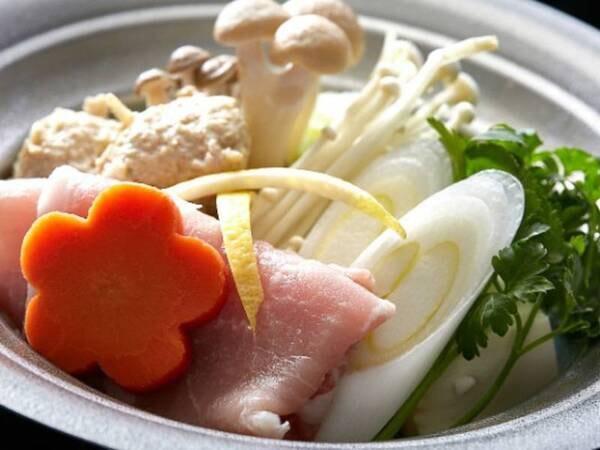 【海のめぐみプラン(2021年夏)/一例】豚と鶏のつみれ鍋