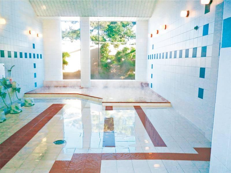 【浴場】美肌の湯として知られるヨウ素たっぷり!